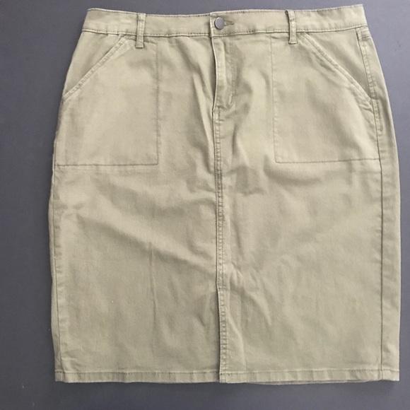Westport Dresses & Skirts - Olive Westport 1962 poly spandex khaki skirt